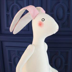 Rabbit totalmente artesanal, hecho a mano en el taller por Oh my Rabbit