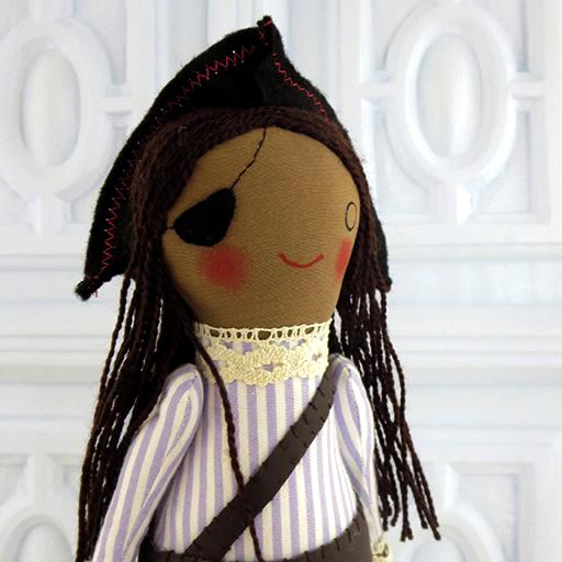 Pirata hecho a mano, muñecos artesanales hechos en el taller por Oh my Rabbit1