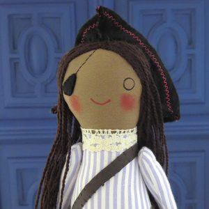 pirata artesanal, muñeco hecho a mano por Ohmyrabbit!