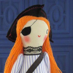 pirata artesanal, muñeco hecho a mano po Ohmyrabbit!